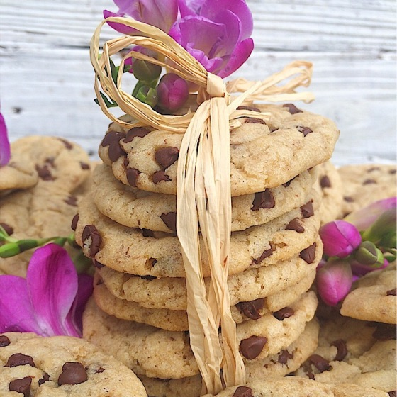 The Best Chocolate Chip Cookies! | Real. Simple. Vegan.